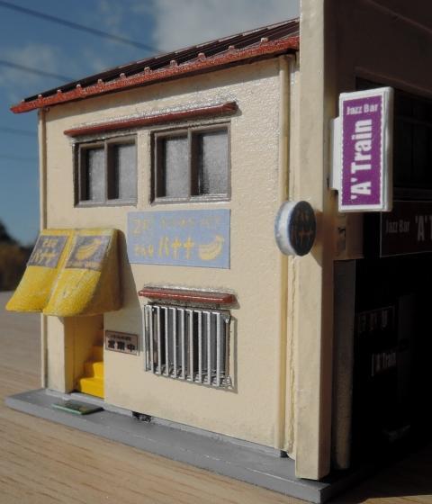 横丁の建物:狭小店舗